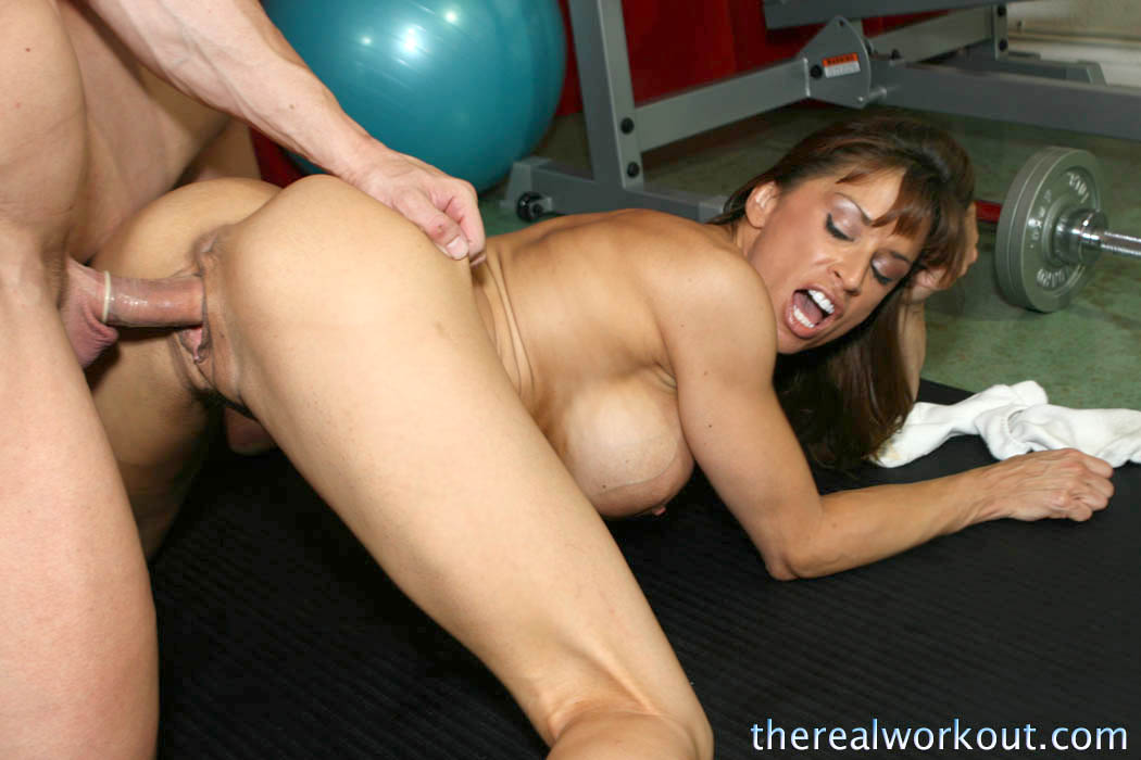 Insanely horny cougar devon michaels gives deepthroat blowjob in the restroom